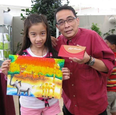 Melissa Mak Zi Qi with her Masterpiece